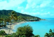 Bahía de Antigua y Barbuda - Caribe