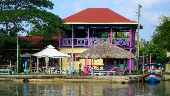 Turismo en Río Negro Jamaica-Caribe