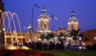 Lima de Noche - Perú