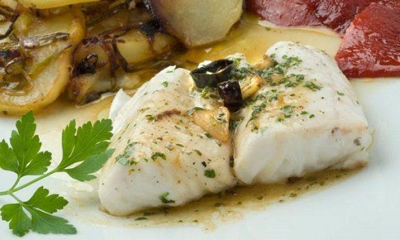 Merluza al vapor recetas con pescado recetas f ciles for Cocinar filetes de merluza