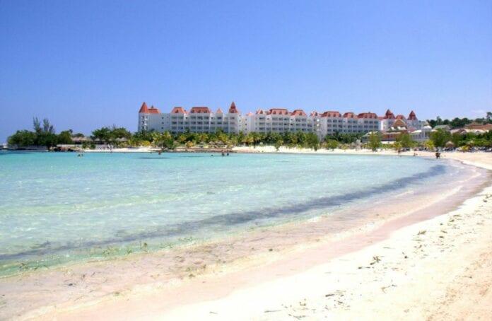 Playa en Runaway Bay Jamaica- Caribe