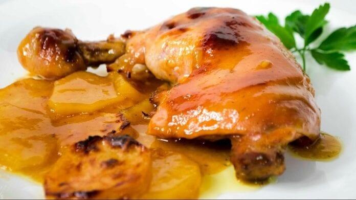 Pollo con Salsa de Piña