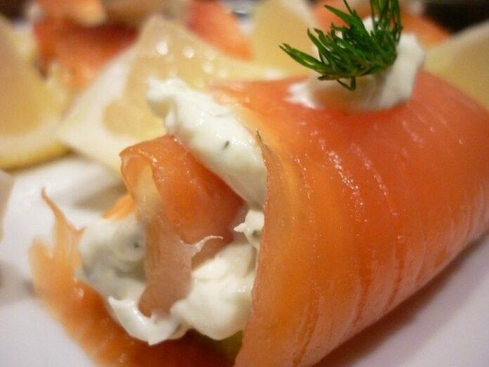 Rollos de Pescado y Salmon Ahumando-recetas