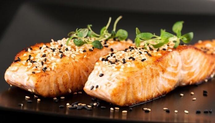 Salmon con Almejas