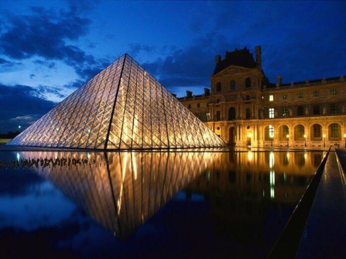 Francia mejora advertencias de viaje para Colombia