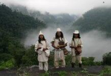 Indigenas en Ciudad Perdida - Turismo en Colombia
