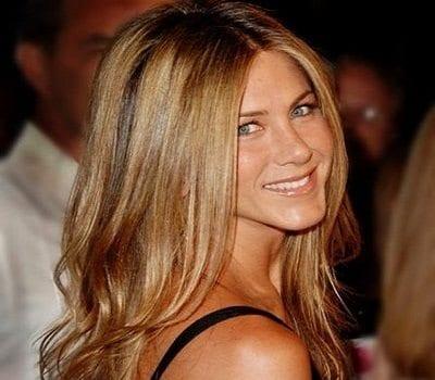 Victoria Beckham Diseñaría el Vestido de Jennifer Aniston