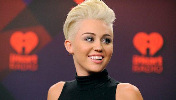 Miley Cyrus se rompió el coxis