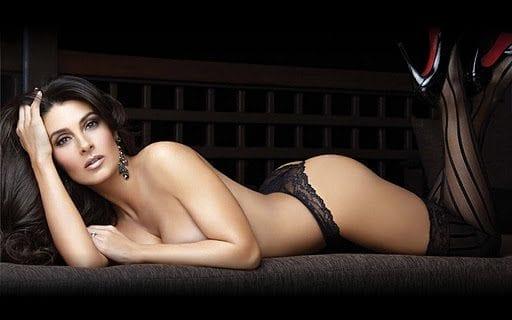 Mayrin Villanueva la chica bond