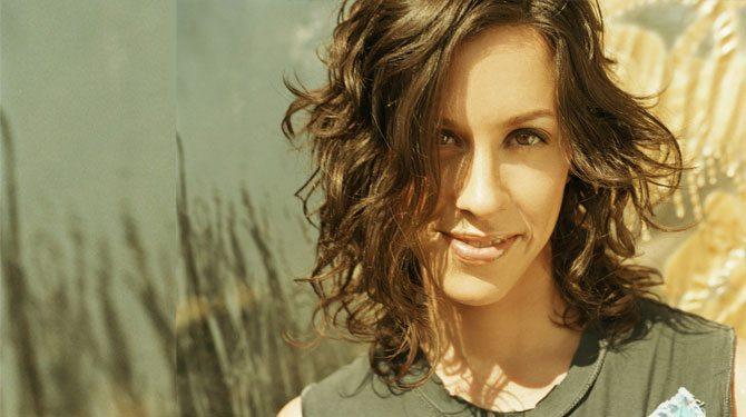 Alanis Morissette cantante y noticias