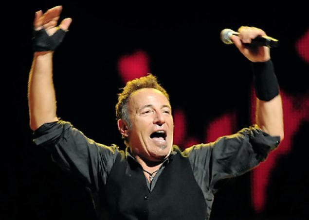 Demandan a Bruce Springsteen y su esposa