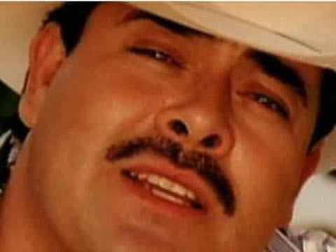 Millonario de amor de sergio vega letras musicales y videos for Sergio vega