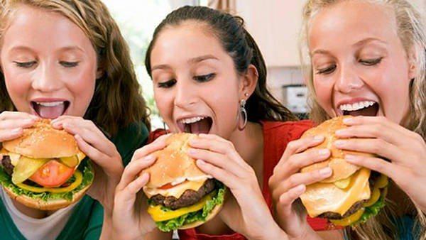 Mala Alimentación se dispara en la Adolescencia