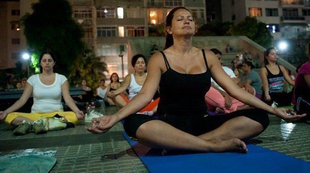Yoga-Podría-Combatir-los-Síntomas-de-la-Fibromialgia