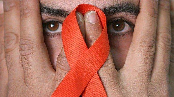 Comportamientos Estudiantiles y VIH