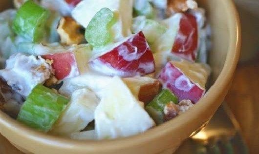 ensalada-de-manzana-con-avellanas