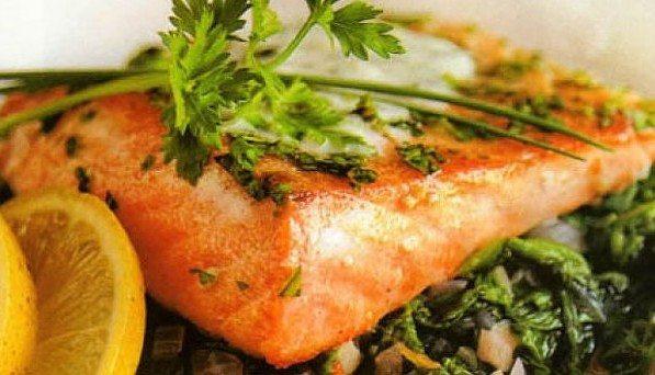 salmon-con-eneldo-y-espinacas