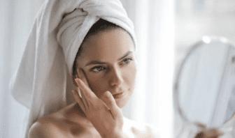 El Maquillaje causa Acné