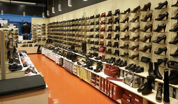 Almacenes de zapatos en bucaramanga for Muebles para zapatos colombia