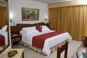 Howard Johnson Hotel Versalles - Hoteles en Barranquilla