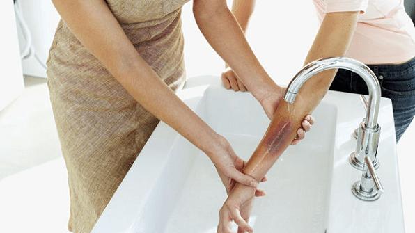 El dolor en los riñones al levantamiento de la cama al embarazo