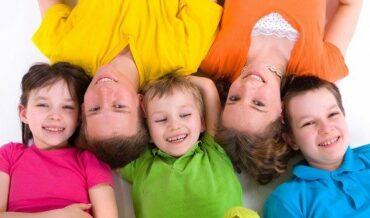 ninos felices ninos sonriendo