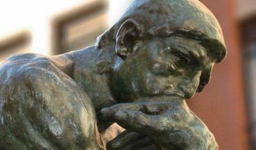 Educar Pensadores Holísticos y Críticos