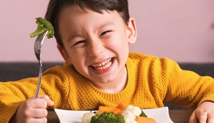 niños coman bien