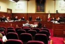 Corte y los tribunales