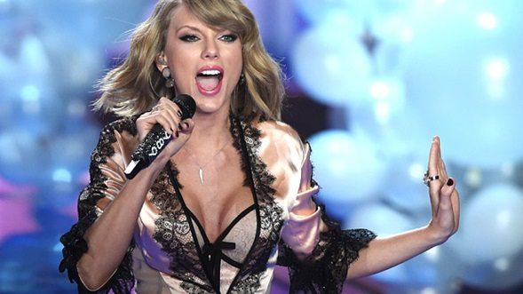 Taylor Swift vacaciona por lo alto con la gente de su Tour 1989