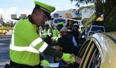 Policía y medidas correctivas