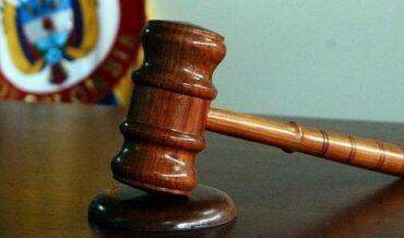 Órganos Judiciales y sus Auxiliares