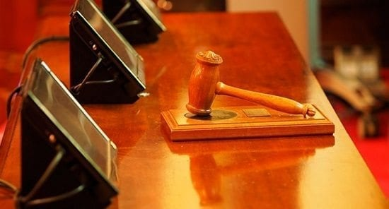 Sentencias y Laudos Proferidos en el Exterior y Comisiones