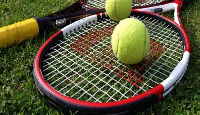 Cómo Escoger la Raqueta de Tenis más Adecuada
