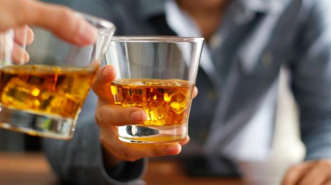 Conoce lo que el Exceso de Alcohol le Hace a tu Cuerpo