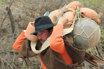 Campesino colombiano trabajando