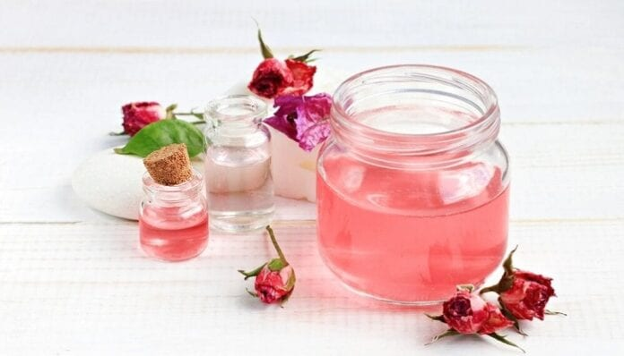 Agua de Rosas para tu Piel