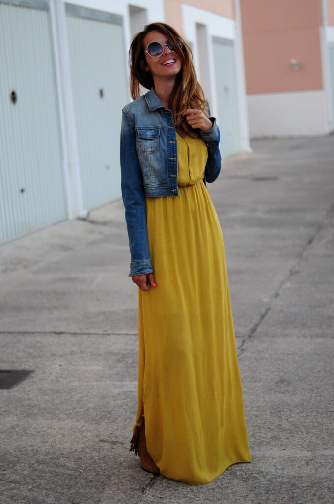 Look con color mostaza