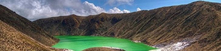 Laguna Verde Volcan Azufral