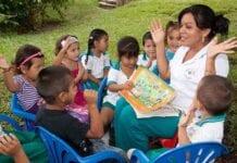 Reconocimiento a las Madres Comunitarias en Colombia