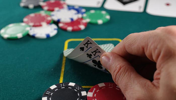 5 Famosos que son muy buenos Jugando al Póker