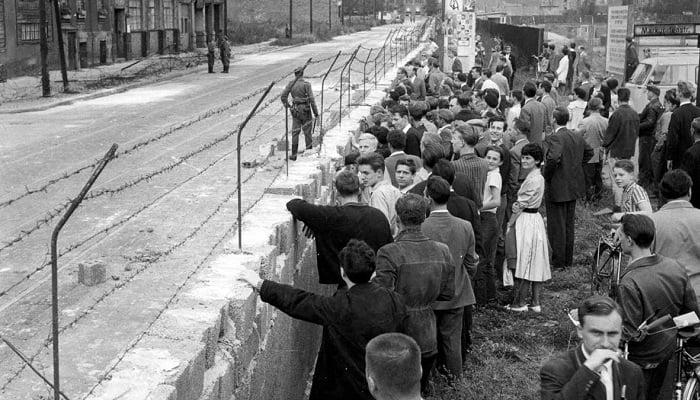 Muro de Berlín, Historia, Reseña de la Construcción, Reseña de la Caída